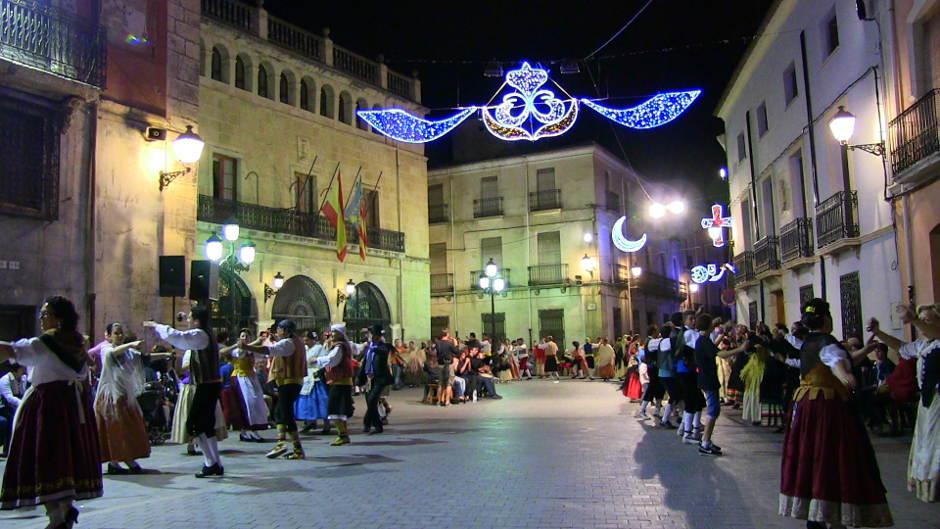 Les danses de Castalla, més vives que mai al 30è aniversari de la seua recuperació