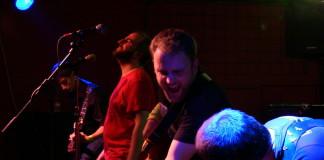 Enderrocks celebren amb èxit 10 anys en directe al Hot Rod Café de Sueca