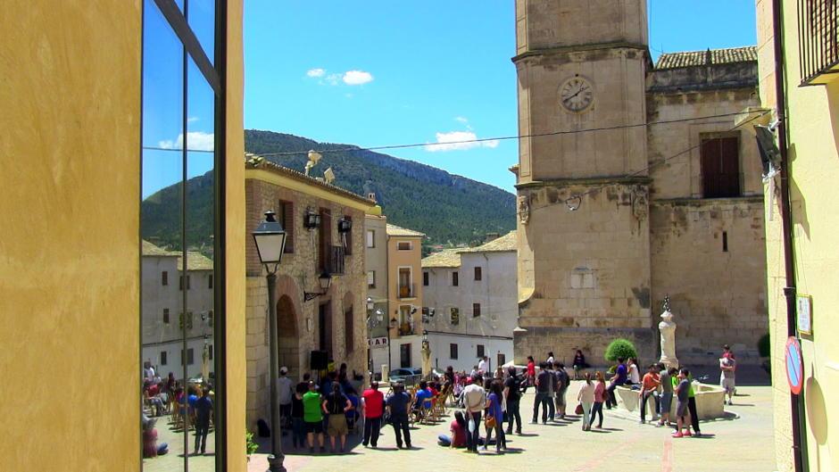 La plaça de l'Ajuntament de Biar durant l'acte