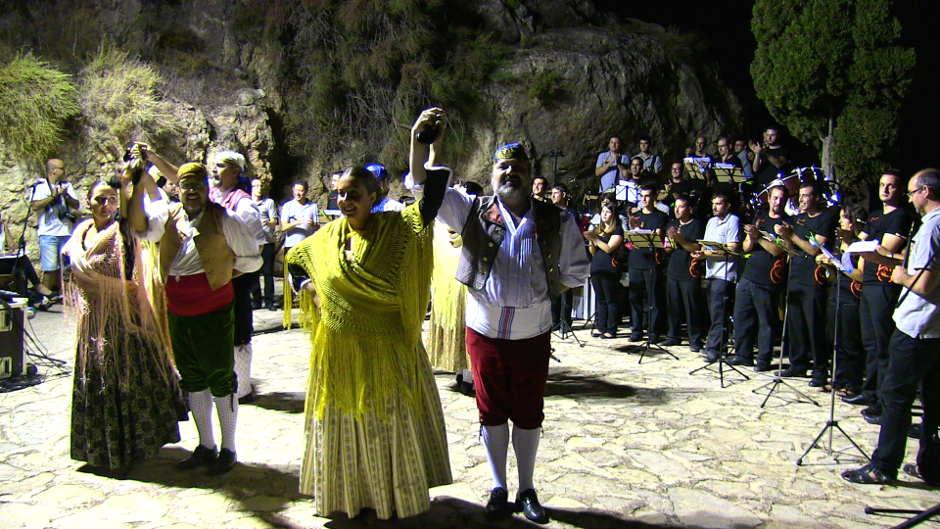 Enderrocks i la S.M. Sta Cecília fusionen metall i banda al Concert de Festes de Fortaleny