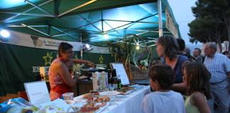 """La fira """"Saborea Castalla"""" mostra amb éxit la varietat gastronòmica de la localitat"""