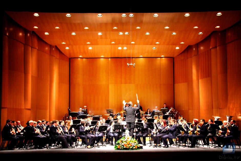 Societat Unió Musical d'Alcoi - El Rugir del Kimbo (Ferrer Ferran)
