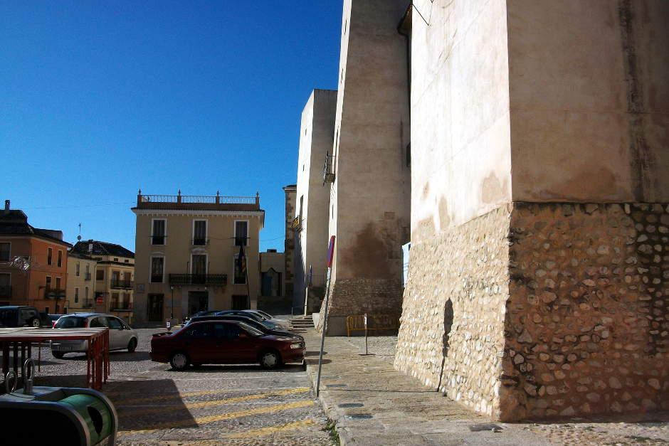 """""""Palau dels Milà i Aragó i la plaça Major d'Albaida, al fons l'ajuntament"""" ."""