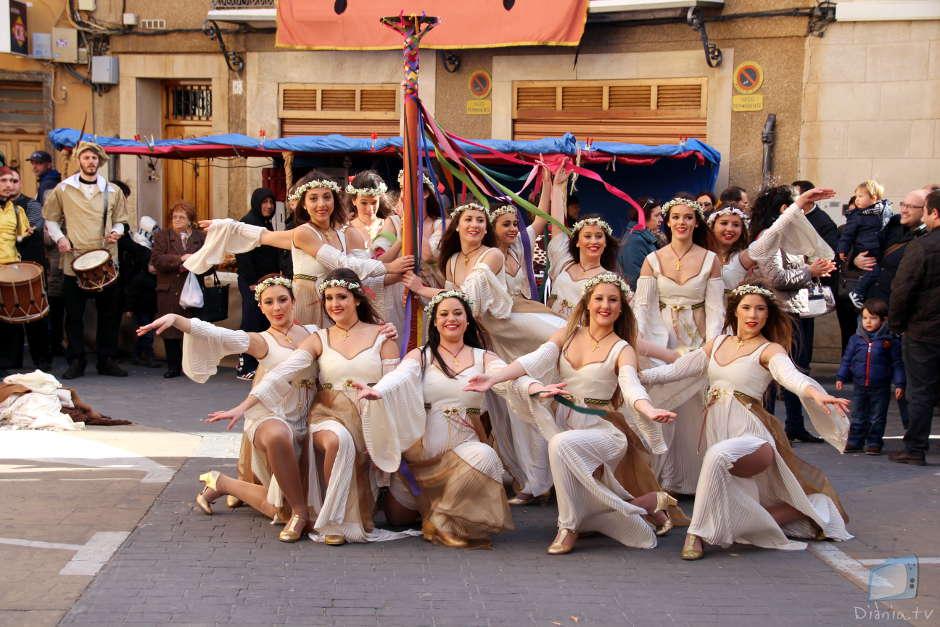 El ballet d'Elena Tudela amenitzà cada racó de la fira