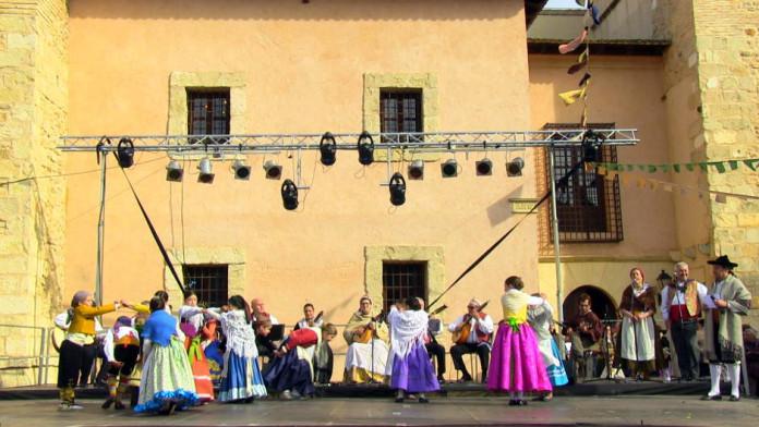 Xiquetes i xiquets del Grup de Danses Baladre - La Villanera d'Ibi