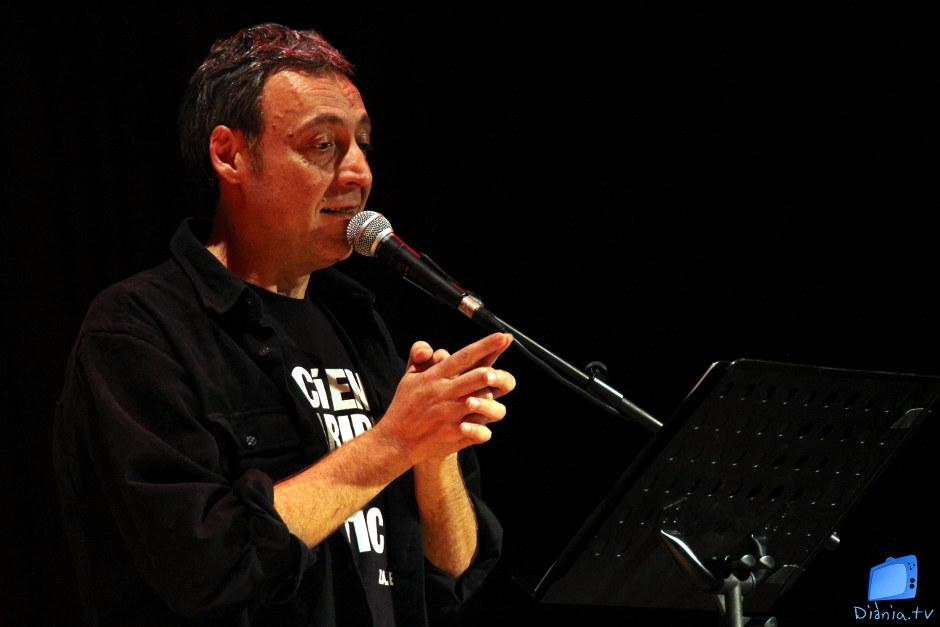 La veu de Francesc Anyó recitant Valor i Estellés, enlluernaren al públic