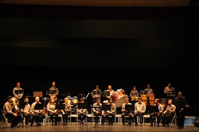 La Colla d'Algemesí durant la seua actuació
