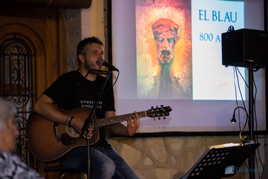 Andreu Valor i Just Sellés omplen de literatura, música i fotografia la plaça de Carrícola