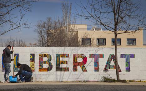 Escola Valenciana llança una campanya solidària amb els refugiats al País Valencià