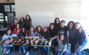 L'IES Pare Arques de Cocentaina talla 42 cabells solidaris contra el càncer