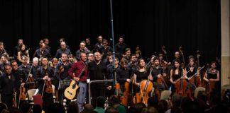 Romu Agulló i l'Orquestra Simfònica de Diània emocionen Cocentaina