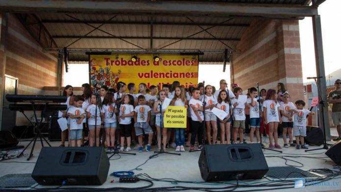 Milers de persones celebren a l'Orxa el 30é aniversari de la Trobada de l'Alcoià-Comtat