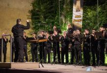 El Mal Passet enalteix la música festera interpretada amb dolçaina i percussió